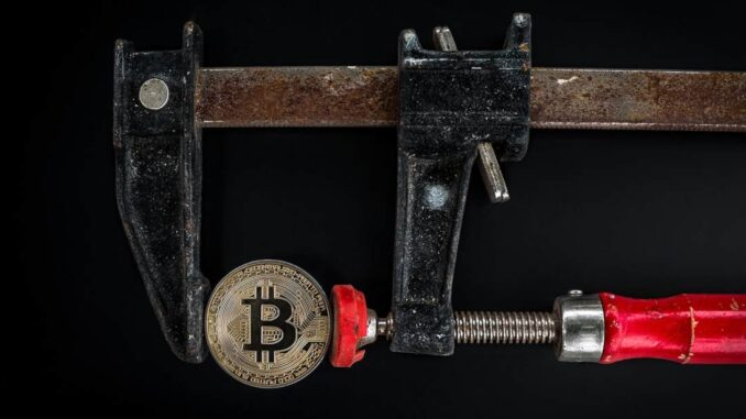 Institutional Demand for Grayscale's GBTC and 3iQ's QBTC Decreases