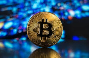Bitcoin Funding Flips Negative as BTC Records 10% Daily Loss as Over-Leverage Factor Dominates